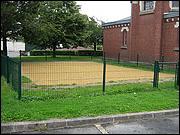 Terrain boulistes derrière église Holnon